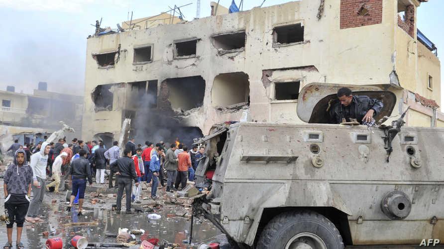 آثار دمار لهجوم سابق بسيارة ملغومة على مركز للشرطة المصرية شمالي سيناء
