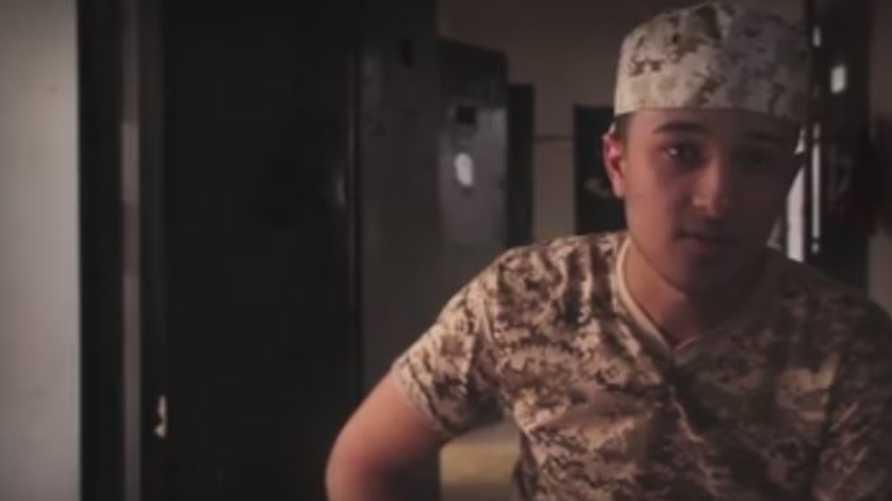 شاب ليبي قضى 100 يوم في سجون داعش (لقطة من الفيديو)