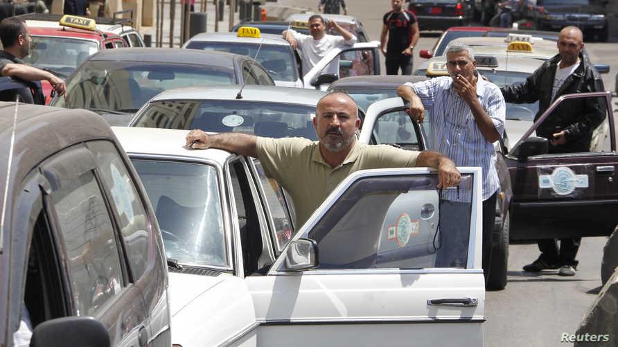 سائقو تاكسي في بيروت