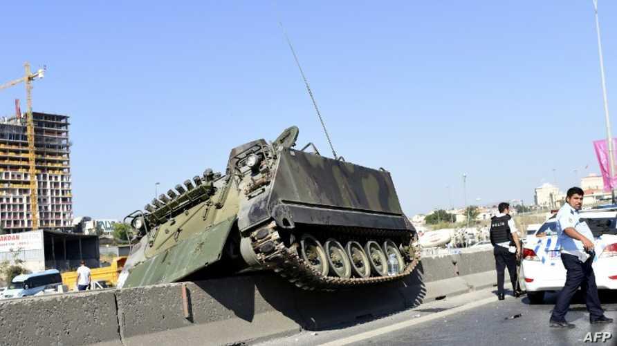 دبابة تركية أثناء محاولة الانقلاب
