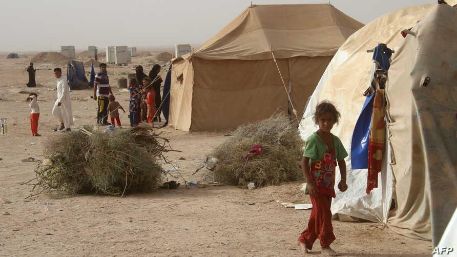 نازحون من مدينة الفلوجة في أحد مخيمات اللاجئين
