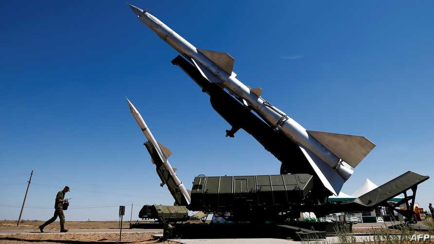 آليات دفاع جوي مضادة للصواريخ