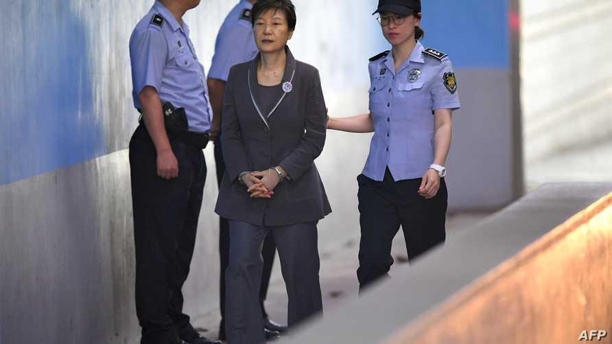 رئيسة كوريا الجنوبية المعزولة قبيل إحدى جلسات محاكمتها