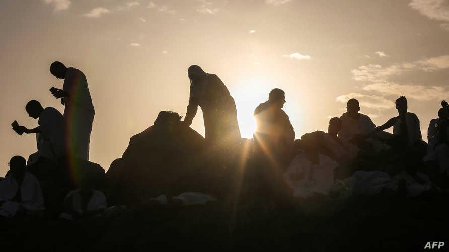 حجاج على جبل عرفة