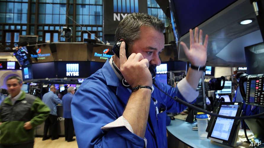 جانب من أحد الأسواق المالية في نيويورك-أرشيف