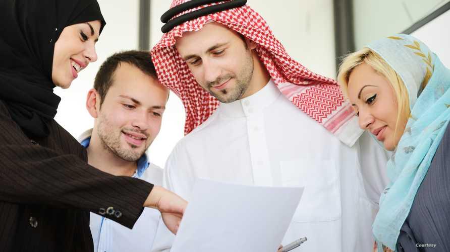 مطالبات بتقليص أعداد العاملين الأجانب في السعودية