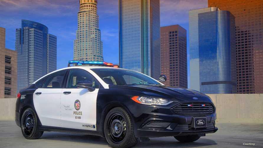 سيارة Ford Police Responder Hybrid Sedan