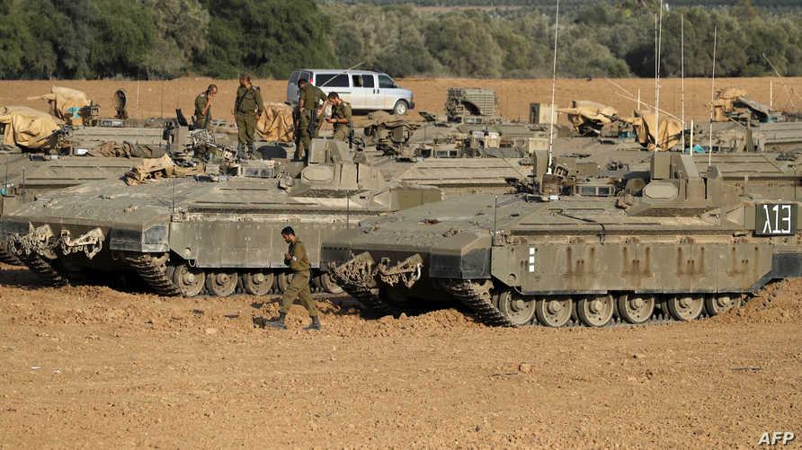 دبابات إسرائيلية عند الحدود مع قطاع غزة
