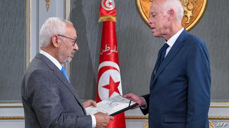 وفاز رئيس حركة النهضة راشد الغنوشي برئاسة البرلمان اثر تحالفات سرية مع حزب قلب تونس