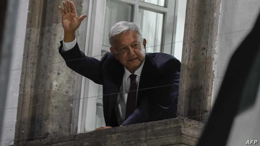 وحده المرشح المعتدل بيت بوتيدجيدج أثبت أنه يعرف اسم الرئيس المكسيكي أندريس مانويل لوبيز أوبرادور، مع أنه بدا متردداً في الإجابة