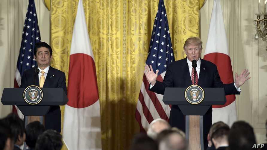 الرئيس دونالد ترامب ورئيس الوزراء الياباني شينزو آبي في البيت الأبيض