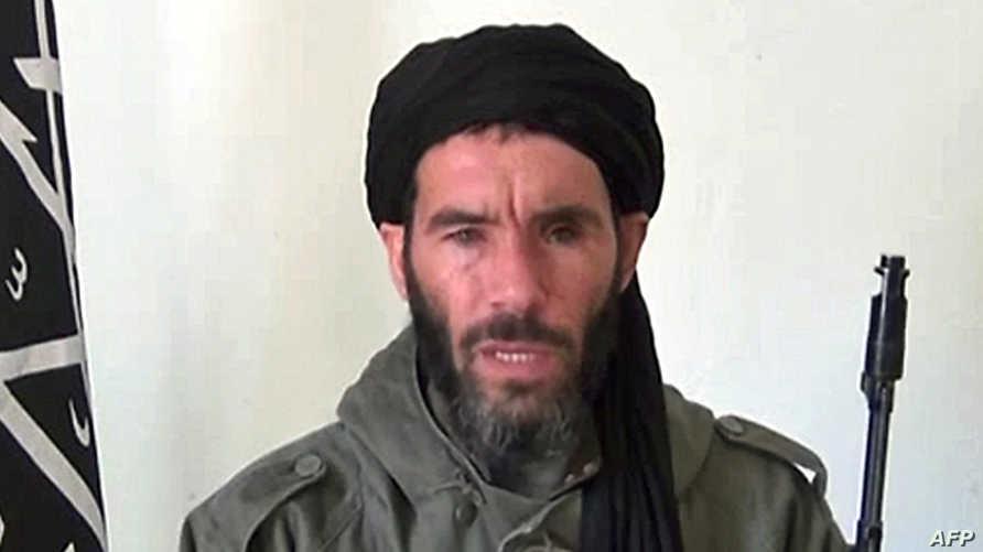 أحد قادة تنظيم القاعدة في بلاد المغرب الإسلامي في لقطة مأخوذة عن فيديو -أرشيف