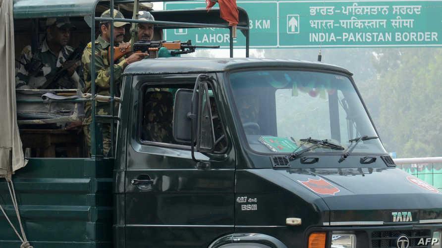 جنود من الهند في المنطقة الحدوية مع باكستان