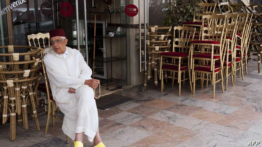 أحد مقاهي الرباط فارغة خلال رمضان 2012 (أرشيف)