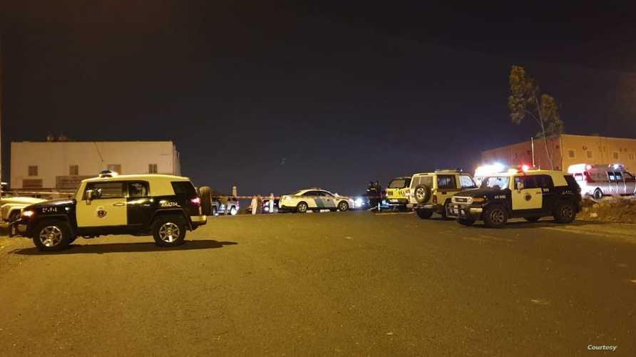 قوات الأمن السعودي في منطقة سقوط شظايا الطائريتين من دون طيار