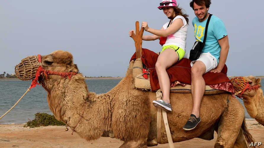 تعد السياحة قطاعا مهما لجني العملة الصعبة في تونس