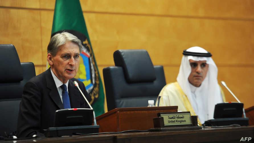 وزير الخارجية السعودي عادل الجبير ونظيره البريطاني فيليب هاموند في جدة