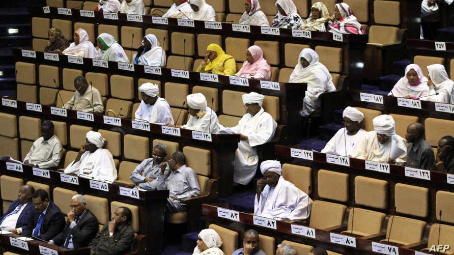 النواب السودانيون يناقشون موازنة العام 2016 (أرشيف)