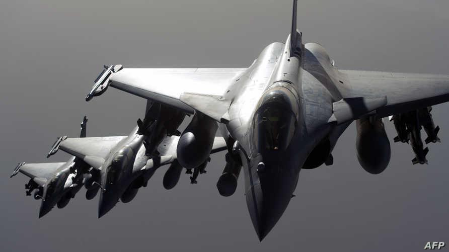 طائرات حربية من نوع رافال تشارك في العمليات ضد داعش