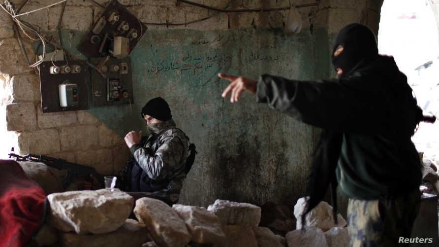 عناصر من مقاتلي جبهة النصرة في سورية