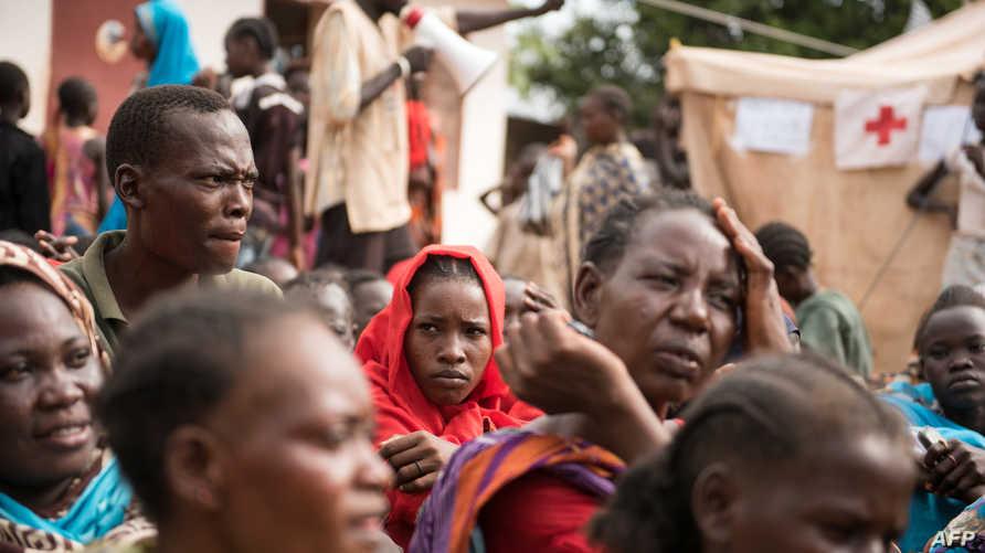 مواطنون فروا من المعارك في جنوب السودان في أحد المراكز التي تستقبل النازحين-أرشيف