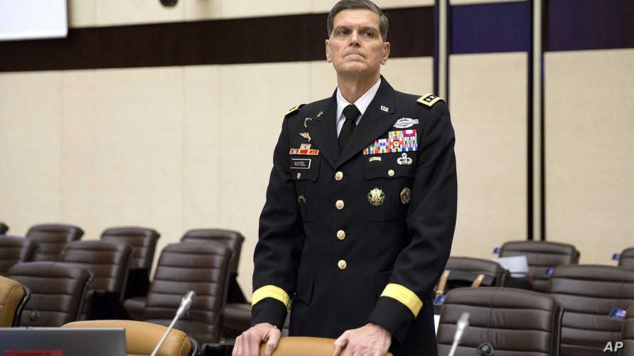 قائد القيادة المركزية الأميركية جوزف فوتيل