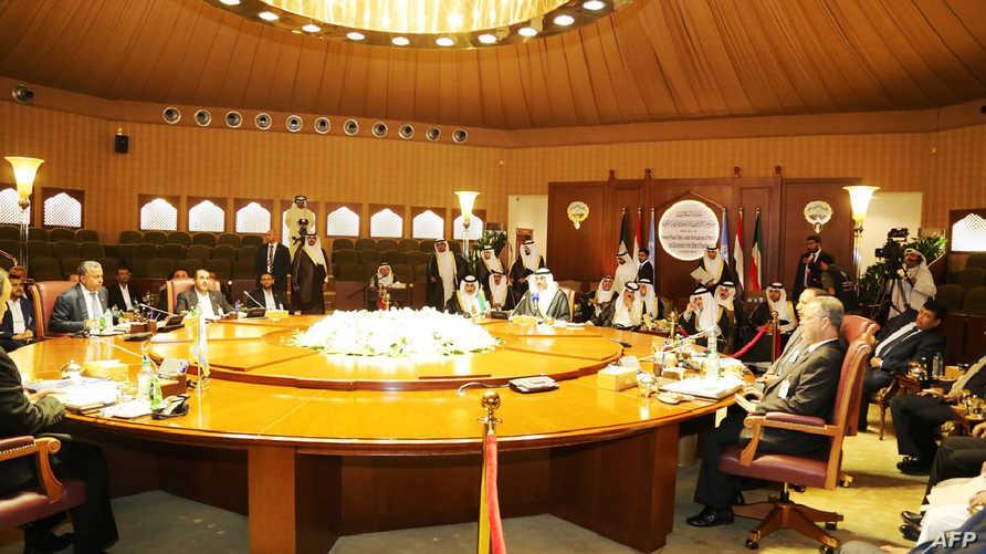 جانب من المشاركين في مفاوضات السلام اليمنية