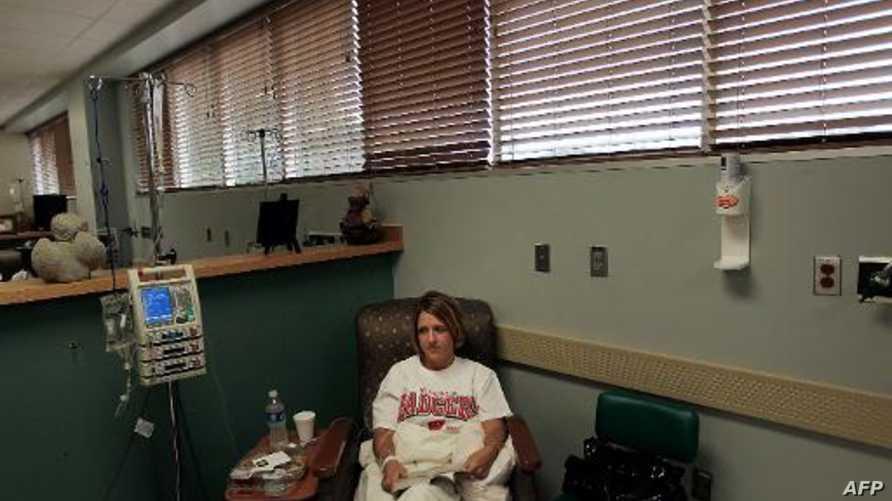 مريضة في السرطان تنتظر العلاج الكيميائي في نورث كارولاينا_أرشيف
