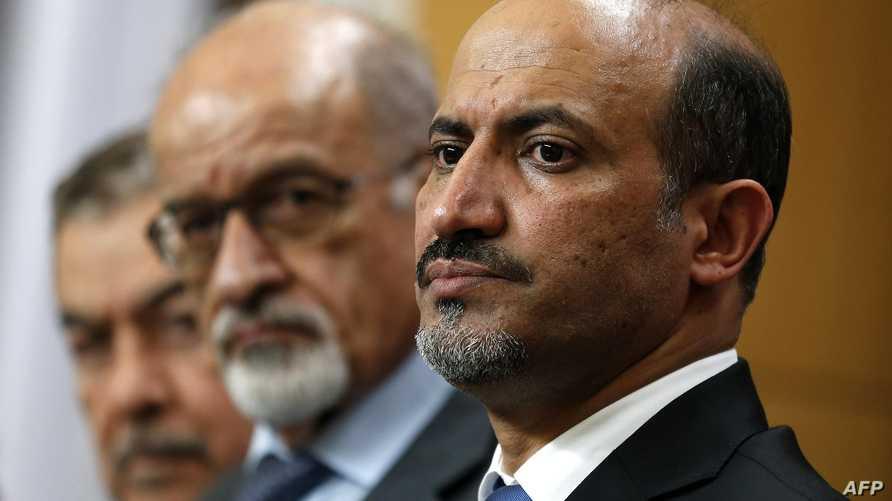 رئيس الائتلاف السوري أحمد الجربا وأعضاء آخرون في اجتماع لندن