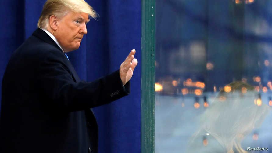 ترامب يلوح للجماهير في ذكرى المحاربين القدامي - 11 نوفمبر 2019