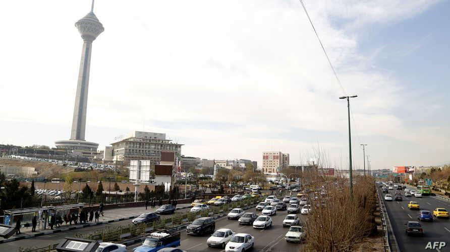 احد شوارع طهران الرئيسية