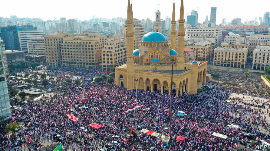 مشهد من ساحة الشهداء في بيروت يوم الأحد 20 أكتوبر 2019