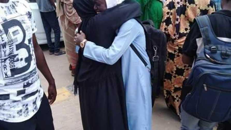 صورة نشرتها حركة قرفنا من خارج أحد المستشفيات التي تلقت قتلى ومصابين في تظاهرات كردفان