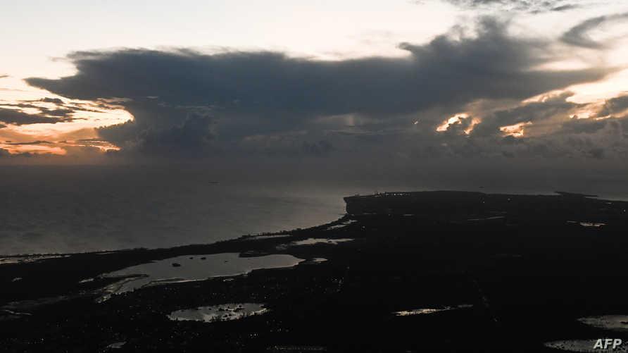 صورة بالأقمار الصناعية تظهر سحب وعواصف رعدية في أجواء الباهاماس