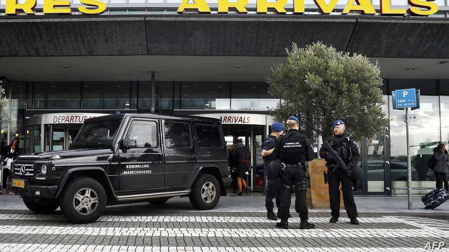 شرطة هولندية أمام مطار روتردام الخميس