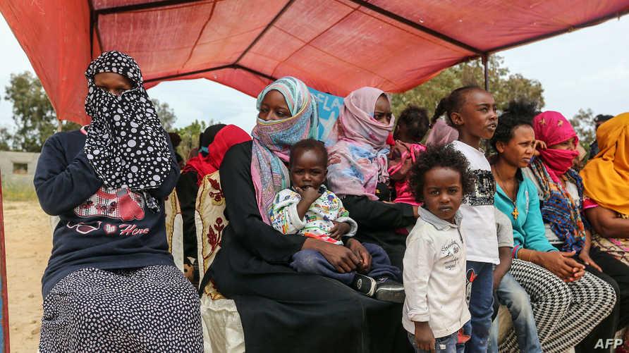 لاجئون في مركز احتجاز في ليبيا