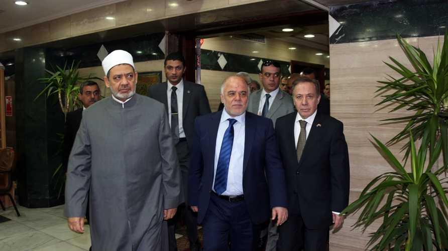 رئيس الوزراء العراقي الجديد حيدر العبادي رفقة شيخ الأزهر أحمد الطيب