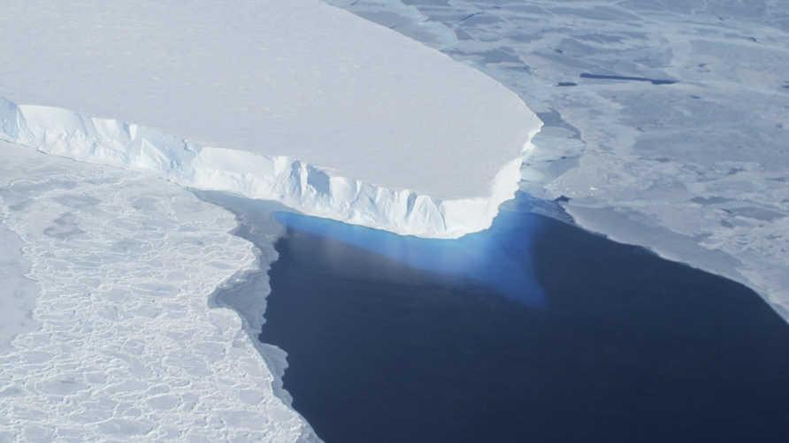 ثلوج في القارة القطبية، أرشيف