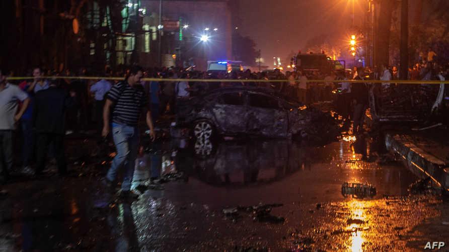 حطام سيارة إثر حادث الانفجار الذي وقع أمام القصر العيني - 4 يوليو 2019