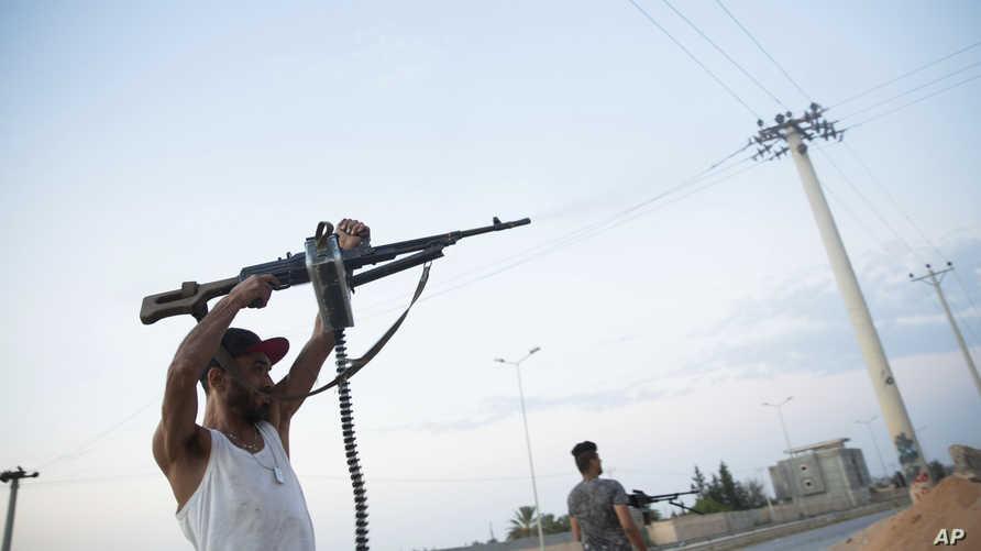 مسلح يطلق النار جنوب طرابلس
