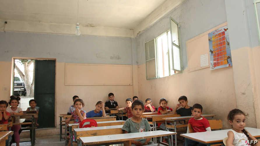 أطفال مدرسة في قرية دير دلوم شمال لبنان