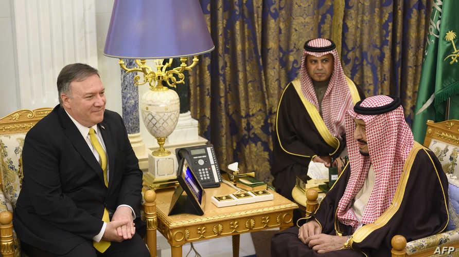 لقاء سابق لوزير الخارجية الأميركي مايك بومبيو والعاهل السعودي الملك سلمان بن عبد العزيز.