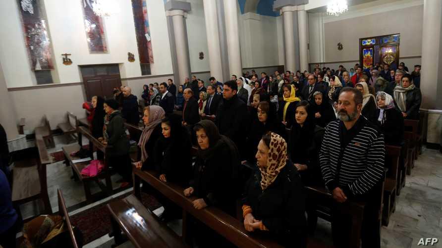 قداس في إحدى الكنائس بإيران
