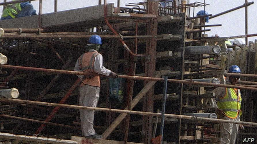 عمال بناء آسيويون في الإمارات العربية المتحدة