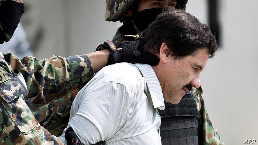 تاجر المخدرات خواكين غوزمان بعيد توقيفه- أرشيف