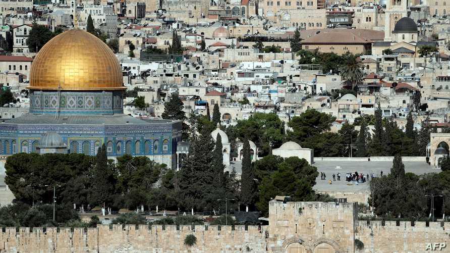 الشرطة الإسرائيلية في باحة المسجد الأقصى بعد قتل المهاجمين