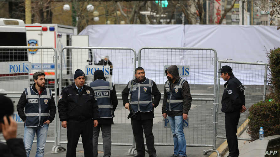 عناصر من الشرطة التركية