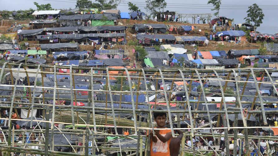 لاجئون من أقلية الروهينغا البورمية في مخيمات ببنغلادش