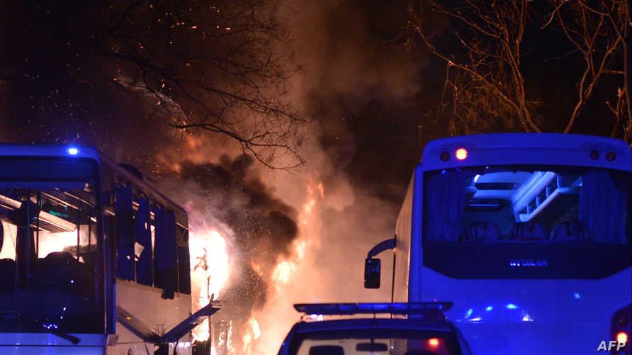 تصاعد النيران بعد انفجار العاصمة أنقرة