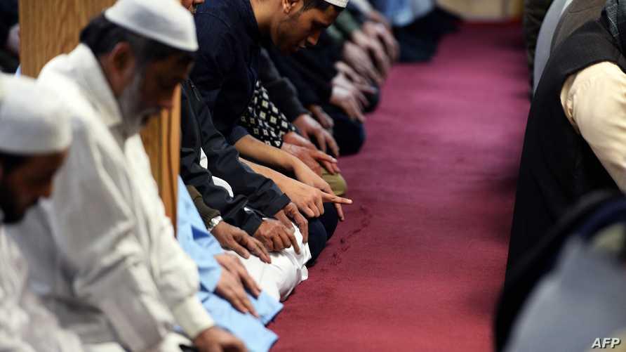 مسلمون يصلون في أحد مساجد ميشيغان
